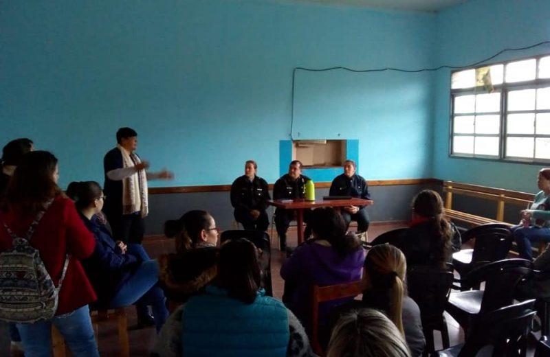 Charlas de prevención de violencia escolar en la Escuela Bilingüe