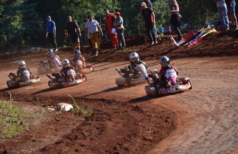 Se corre la cuarta fecha del Karting del Norte de Misiones en Wanda