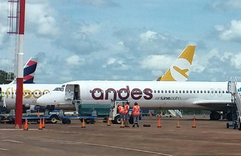 Evacuaron el avión de ANDES por supuesta amenaza de bomba