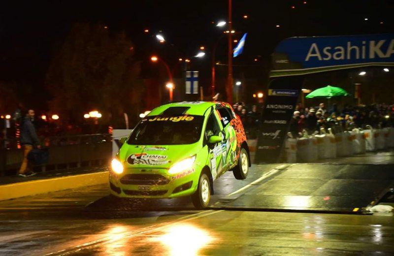 La dupla Zarza-Espínola viene tercero en el inicio del rally de Argentina