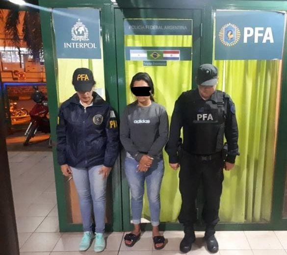 Detuvieron a una joven con pedido de captura por narcotráfico
