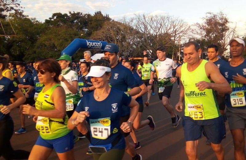 """Casi 300 corredores participaron de la 1° edición de la carrera """"Iguazú Corre 8K"""""""