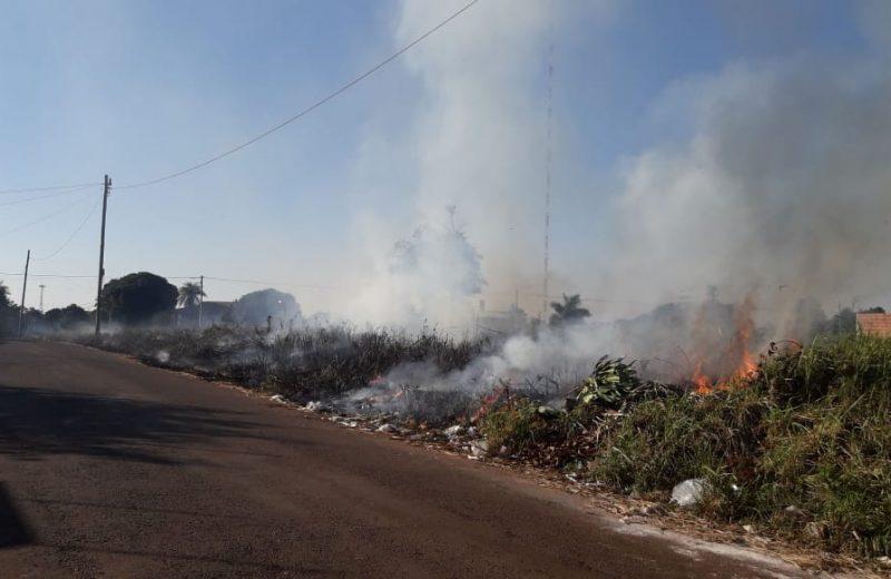 Bomberos acudieron a sofocar dos incendios provocados por la quema de basura