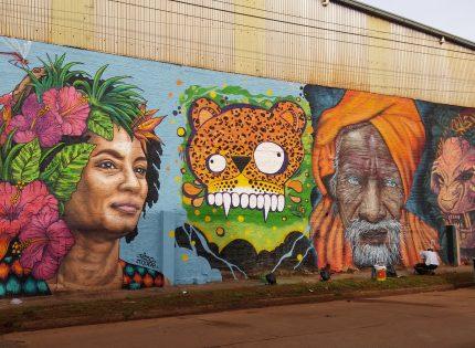 Iguazú: La ciudad de los Murales