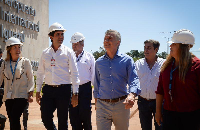 El presidente Macri recorrió las obras de ampliación del Aeropuerto de Puerto Iguazú