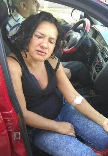 Fue brutalmente golpeada por los familiares de su ex pareja