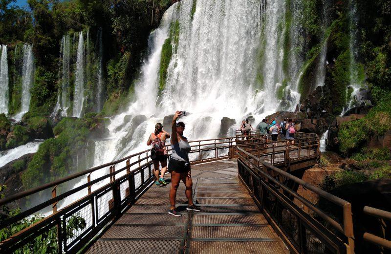 Cada turista gastó un promedio de 1.600 pesos por día en Iguazú