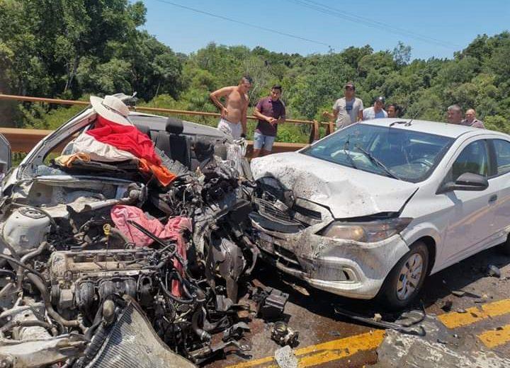 Tres fallecidos y siete heridos luego de un triple choque sobre la ruta 12
