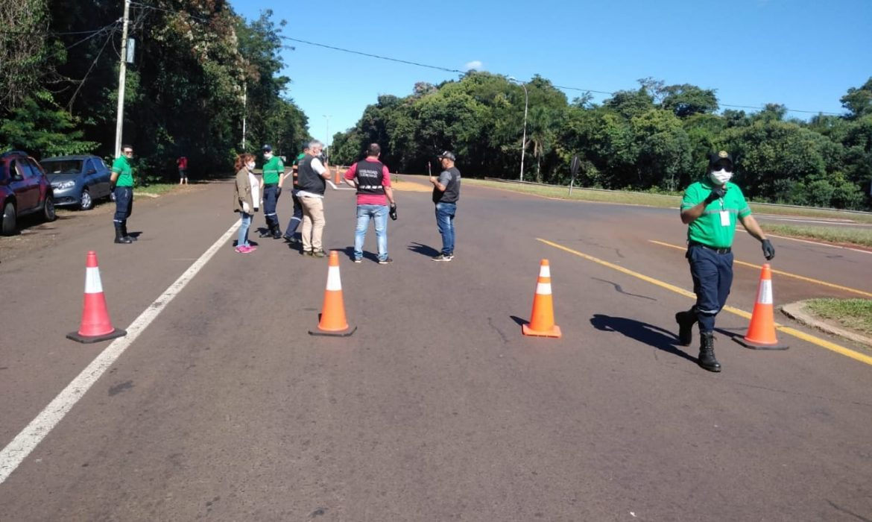 Cerraron el acceso a Iguazú y pretenden cerrar el centro de frontera