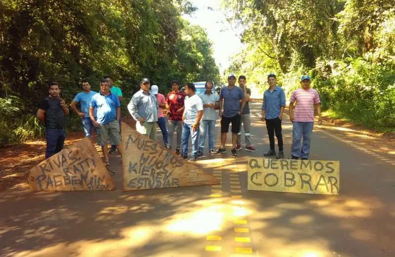 Obreros vuelven a cortar el acceso al aeropuerto de Iguazú