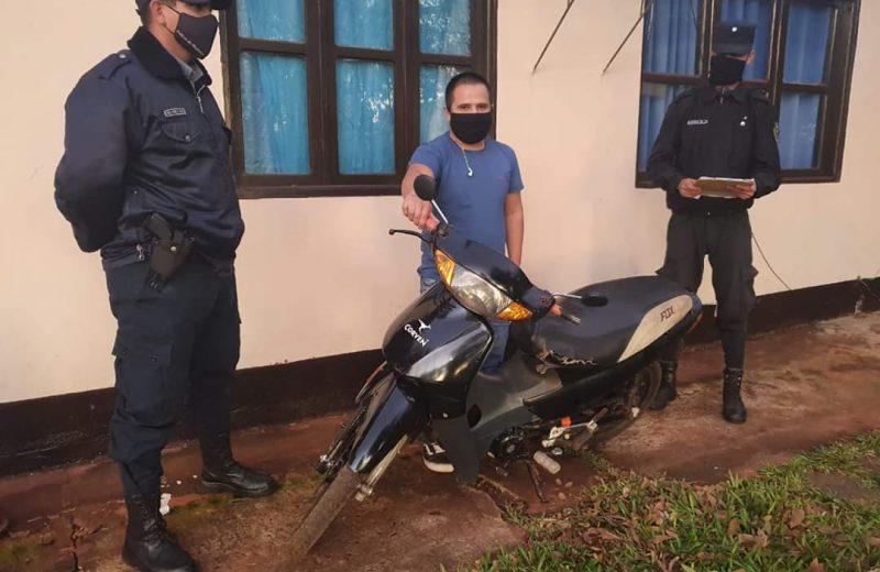 Hallaron una motocicleta en las malezas