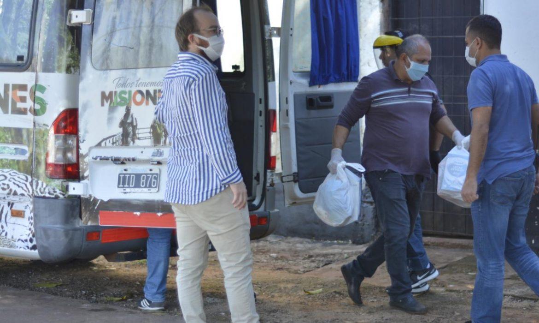 Sin grandes soluciones, Arrúa se limitó  a entregar mercadería y ofrecer créditos