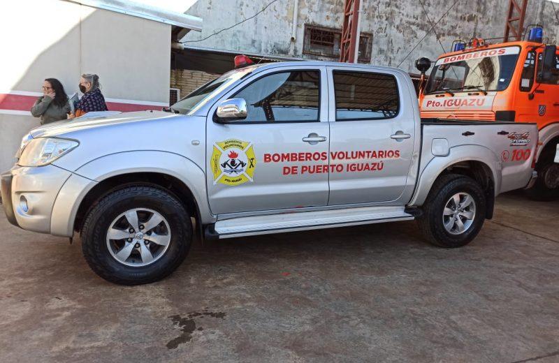 Bomberos Voluntarios de Iguazú recibió una camioneta recuperada del delito