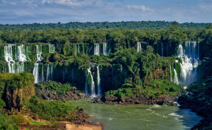 Foz do Iguazú vuelve a cerrar los atractivos turísticos incluido Cataratas