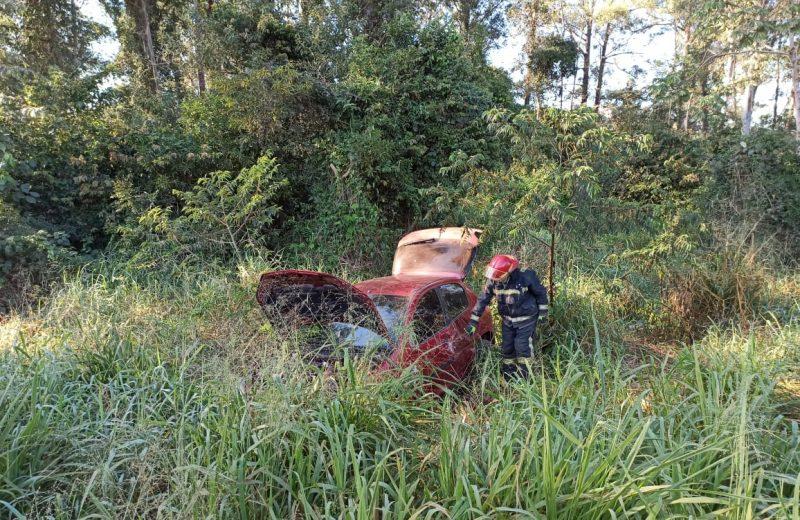 Iguazú: Despistó, volcó y terminó en una zona de malezas sobre avenida Libertad