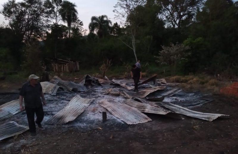 Hallaron restos óseos en una vivienda consumida por el fuego en paraje Sierra Morena