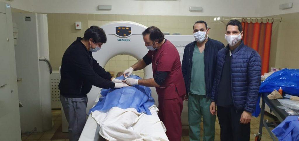 Se realizó por primera vez una punción de cuerpo vertebral bajo guía tomográfica en el Samic Eldorado