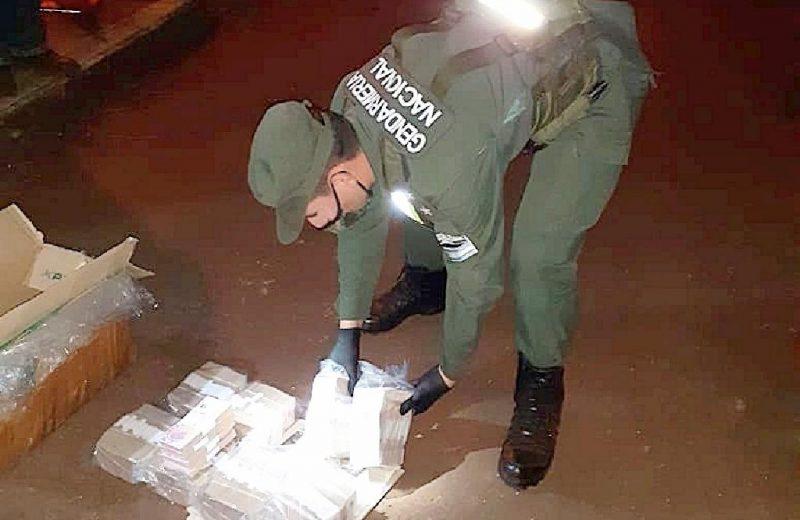 Tráfico de divisas: camionero transportaba 840.000 pesos sin documentación