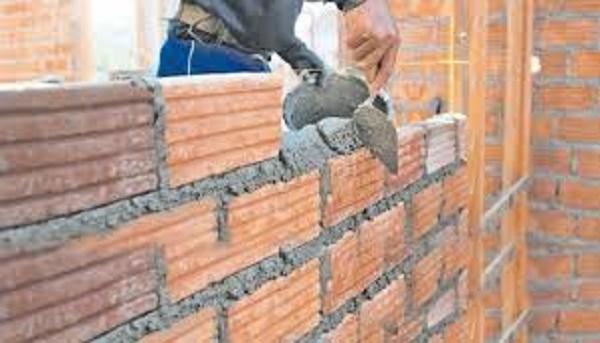 La industria de la construcción se ve afectada en Iguazú por la falta de ladrillos, chapas y hierros