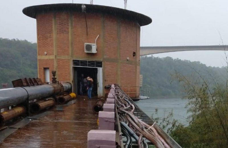 Reducen la producción de agua potable por el cambio de una bomba