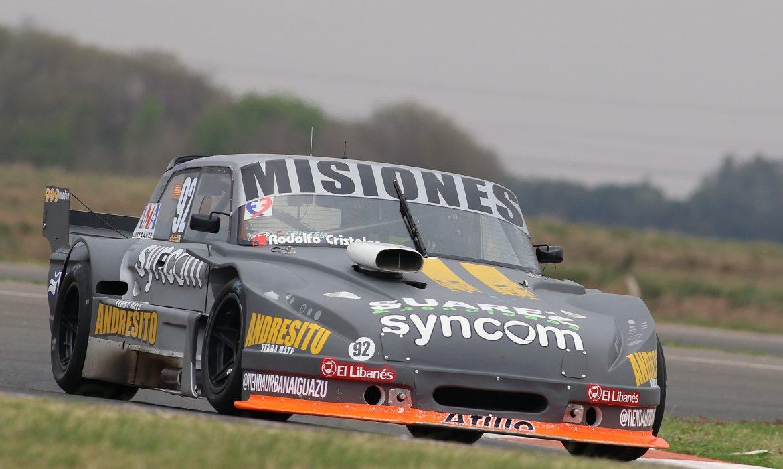 Rudito Bundziak prueba en La Plata, en la previa de la doble fecha del TC Mouras