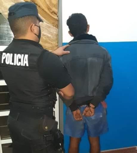 Fue detenido cuando intentó robar objetos de una obra en construcción