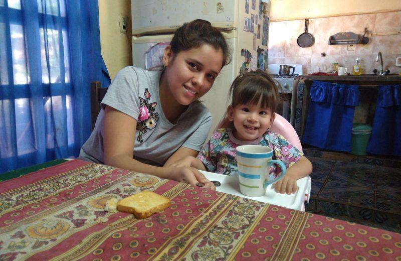 Busca reunir fondos para que su hija pueda caminar