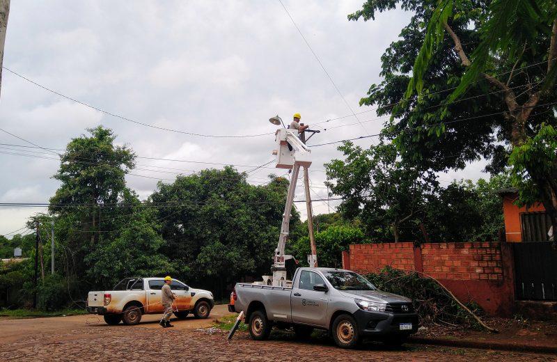 Operario de Energía de Misiones recibió una descarga eléctrica y está internado