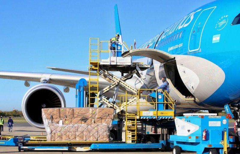 Este jueves Aerolíneas Argentinas vuelva a Moscú a buscar 300 mil dosis de vacunas