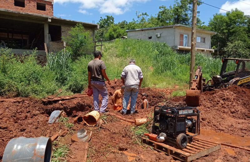 Finalizaron la reparación de caño de impulsion de la toma de agua y la planta funciona con su capacidad total