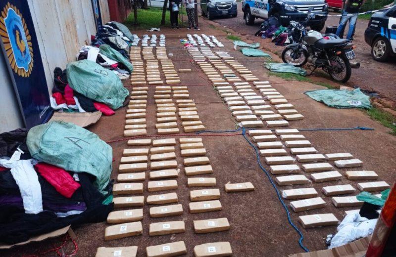 Federales incautaron 280 panes de marihuana y detuvieron a dos personas