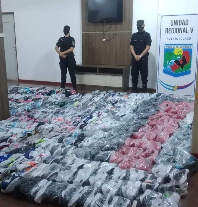 Decomisaron más de 350 pares de zapatillas sin aval aduanero