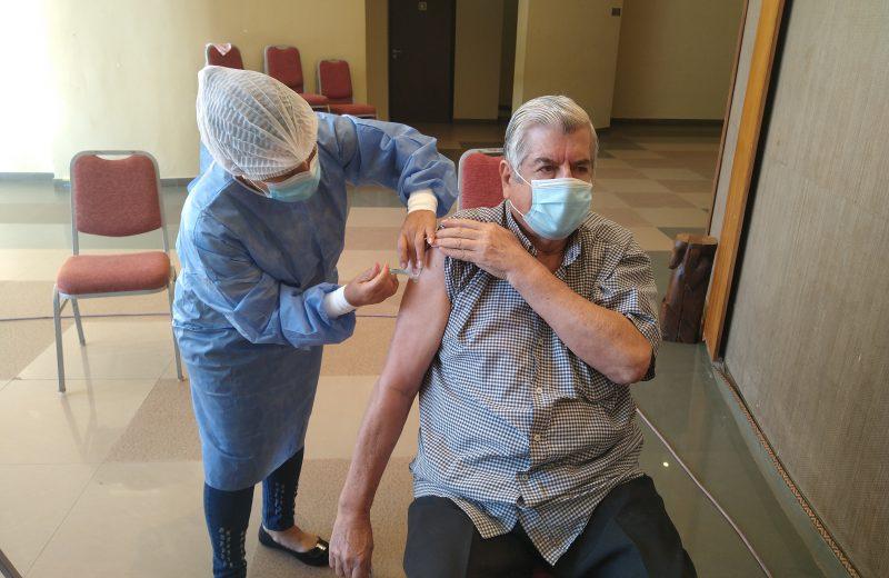 En Iguazú 100 abuelitos serán vacunados este viernes