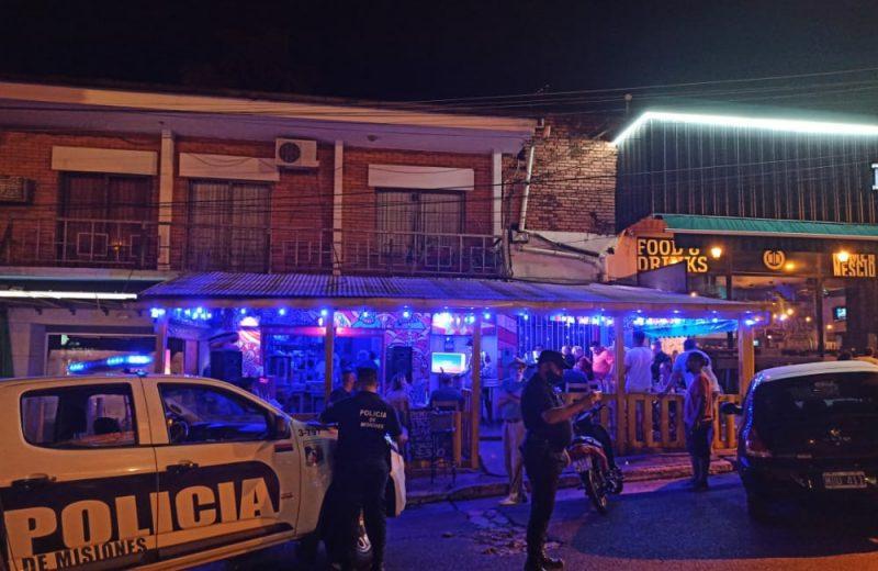 Clausuran dos bares por incumplimiento a las restricciones