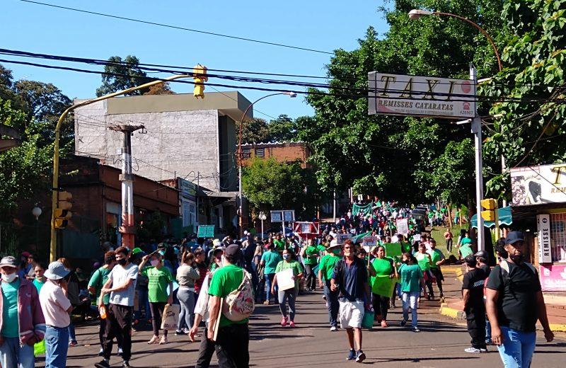 Caos en el centro de Iguazú: protestas entorpecieron la libre circulación
