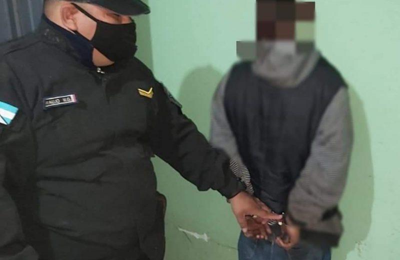 Detuvieron a un joven involucrado en el robo de cables del salón comunitario del barrio los Cedros