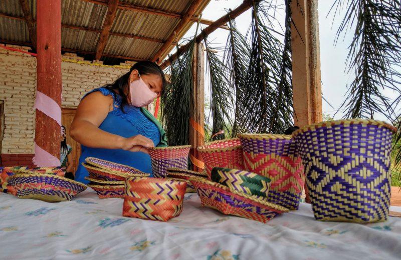 Este fin de semana la Feria Tembiapo expondrá la artesanía Mbya en Puerto Iguazú