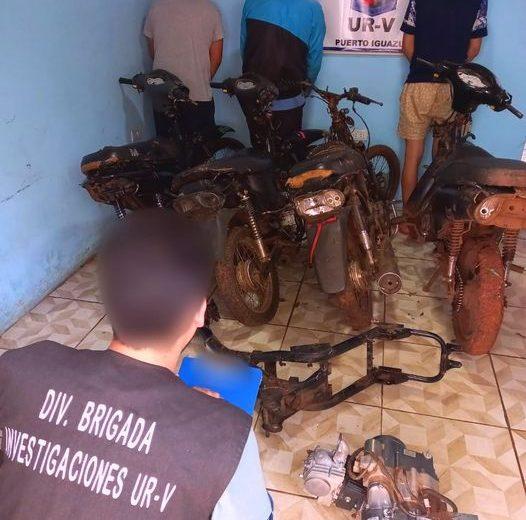 """Cayó la banda de los """"roba motos"""" y recuperaron los vehículos que estaban en un taller"""