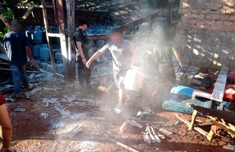 Un hombre   falleció tras la explosión de una garrafa e incendio de un depósito