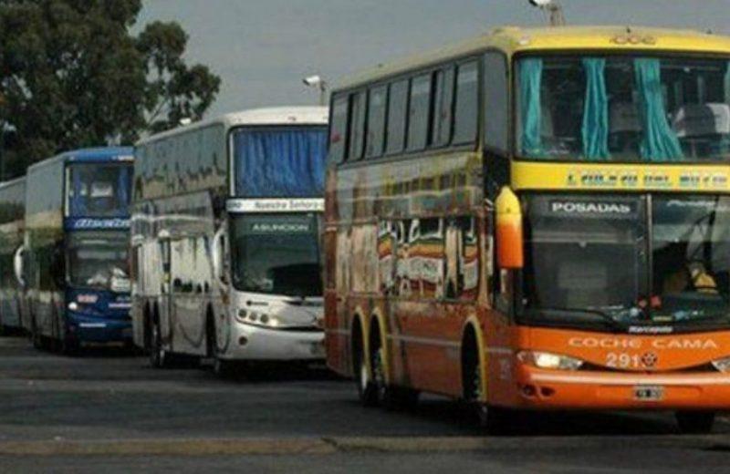 El gobierno Nacional impulsa viajes en micro más baratos