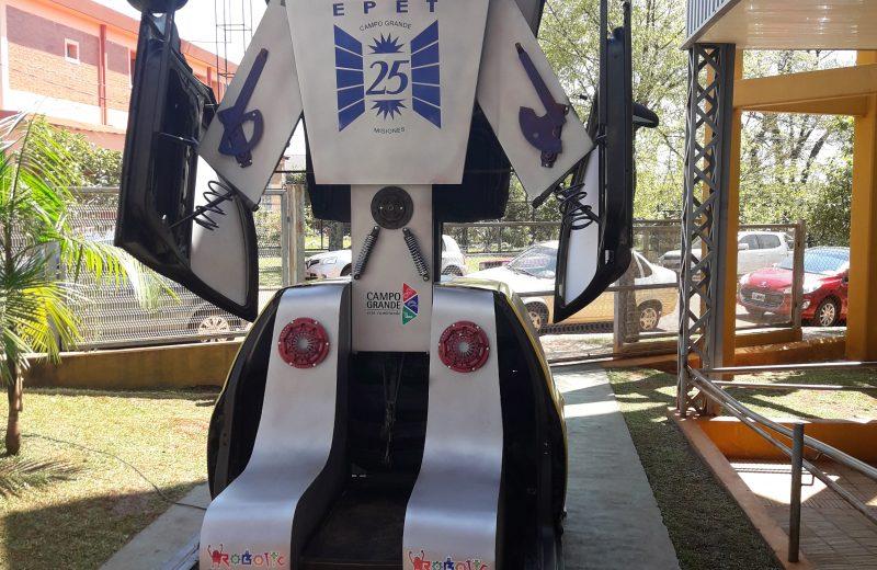 Con un Transformers, Campo Grande dio la bienvenida al Robotic Workshop Educativo para docentes de nivel inicial