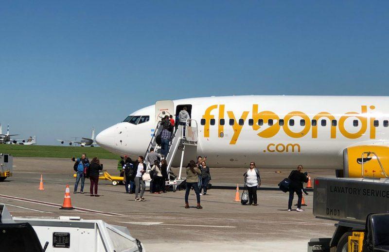 Flybondi es la única línea aérea que está operando