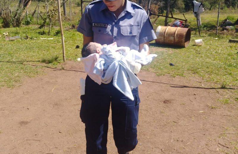 Santa Ana, policías ayudaron a una mujer a dar a luz