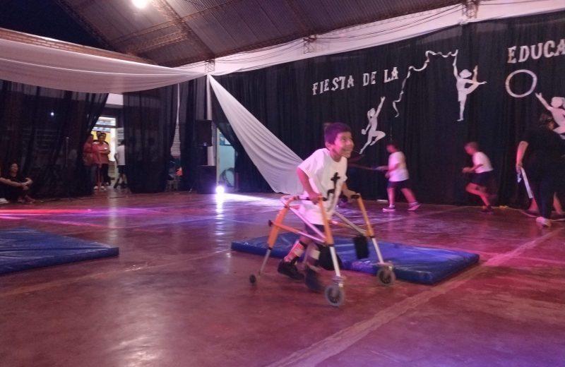 Con mucho esfuerzo y dedicación los niños del Instituto Esperanza se lucieron en la fiesta de Educación Física