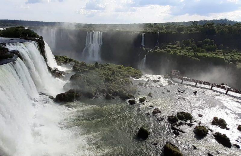 Cataratas de Foz do Iguazú recibe hoy al turista N° 2 millones