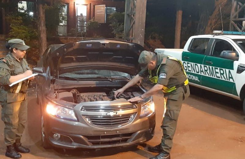 Gendarmería secuestró 3 vehículos, dos de ellos tenían pedido de captura
