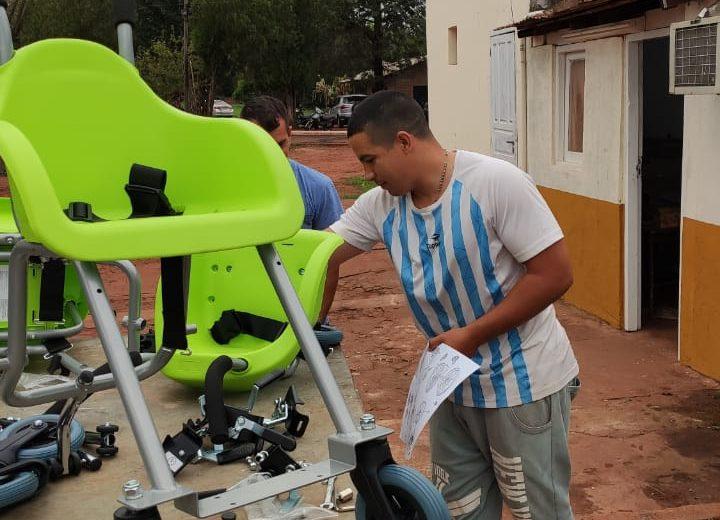 Internos de la Unidad Penal III armaron sillas de ruedas para niños