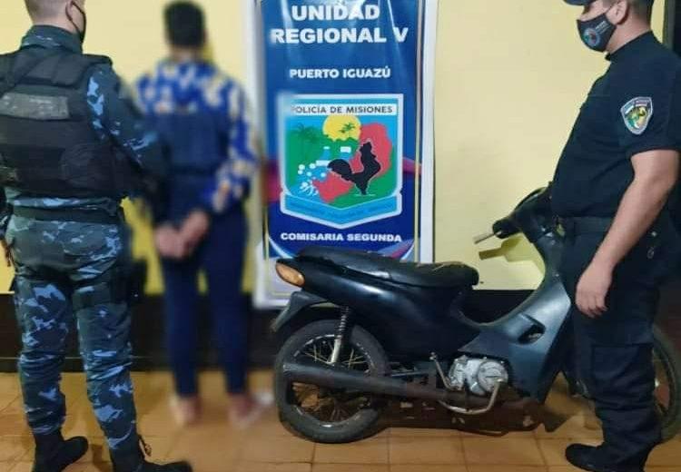 Circulaba en una moto robada y fue detenido