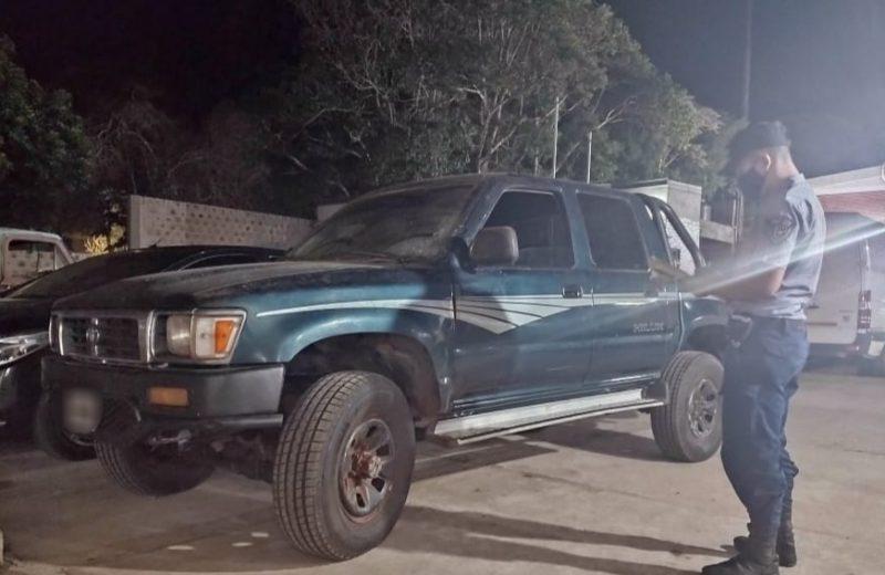 Recuperaron una camioneta robada y oculta en un eucaliptal
