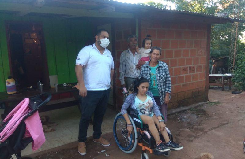 Milagros Díaz recibió una silla de ruedas nueva podrá seguir estudiando